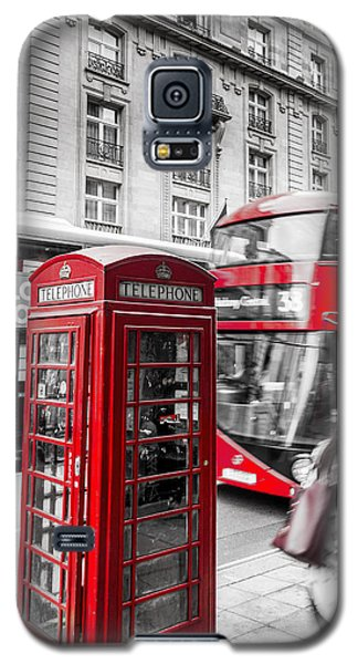 Red Telephone Box With Red Bus In London Galaxy S5 Case