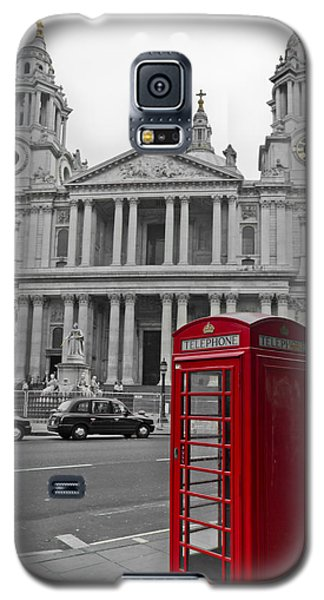 Red Telephone Boxes In London Galaxy S5 Case by Gary Eason