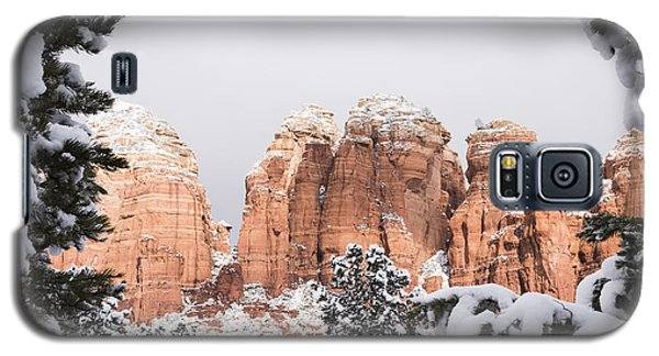 Galaxy S5 Case featuring the photograph Red Towers Under Snow by Laura Pratt