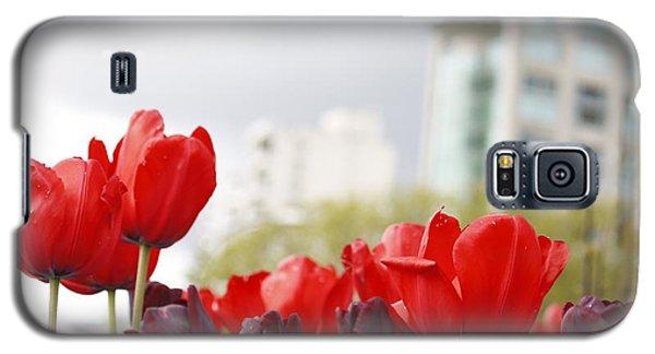 Galaxy S5 Case featuring the photograph Red Tulips by Wilko Van de Kamp
