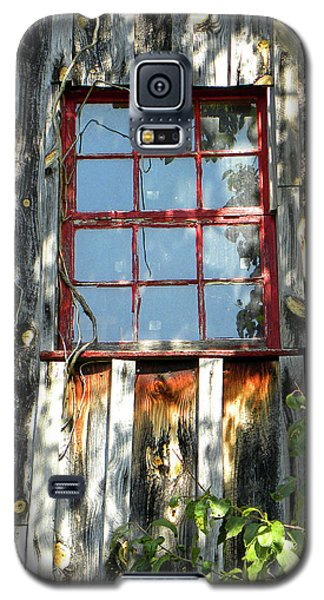 Galaxy S5 Case featuring the photograph The Red Window by Sandi OReilly
