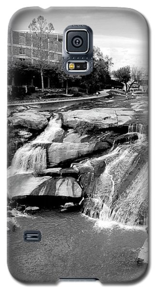 Galaxy S5 Case featuring the photograph Reedy River by Corinne Rhode