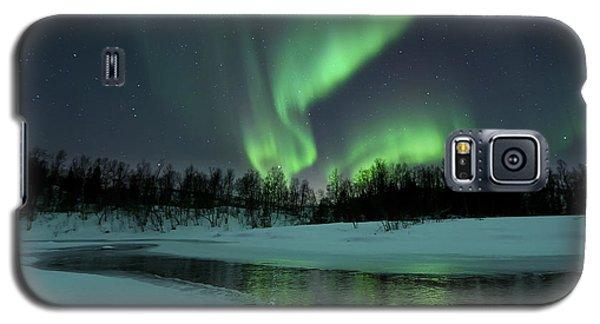 Green Galaxy S5 Cases - Reflected Aurora Over A Frozen Laksa Galaxy S5 Case by Arild Heitmann