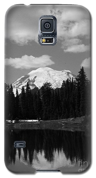 Mt. Rainier Reflection In Black And White Galaxy S5 Case