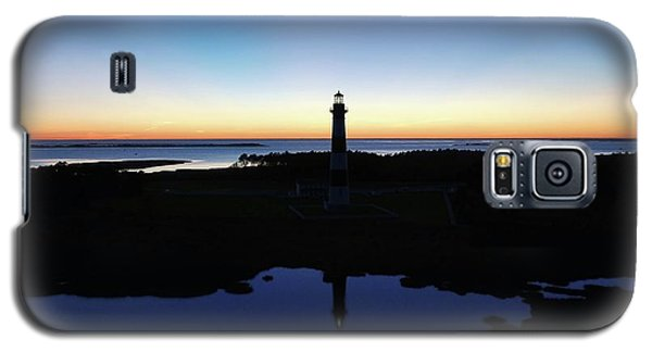 Reflection Of Bodie Light At Sunset Galaxy S5 Case