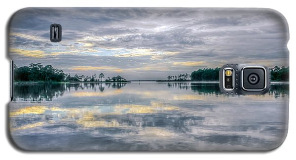 Galaxy S5 Case featuring the photograph Reflection by Rob Sellers