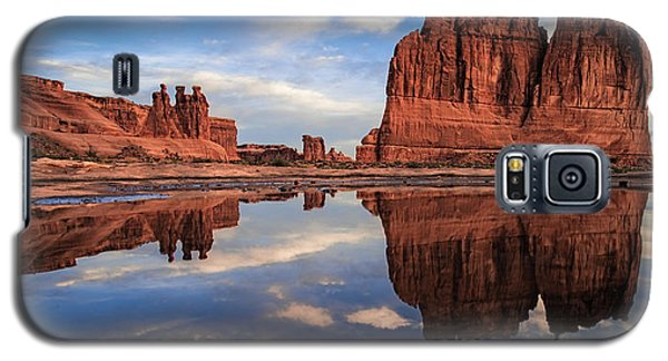 Reflections Of Organ Galaxy S5 Case