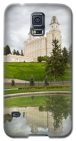 Reflections Of The Manti Temple At Pioneer Heritage Gardens Galaxy S5 Case