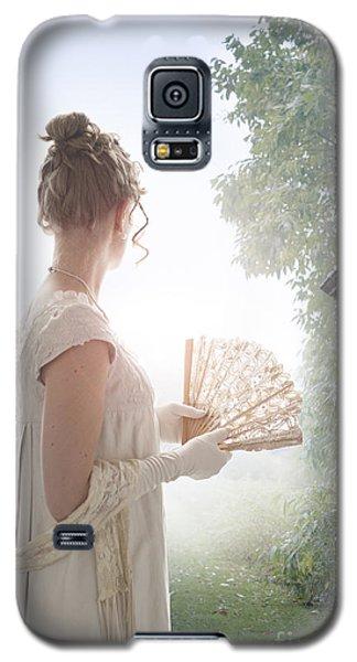Regency Woman Looking Through A Gateway Galaxy S5 Case