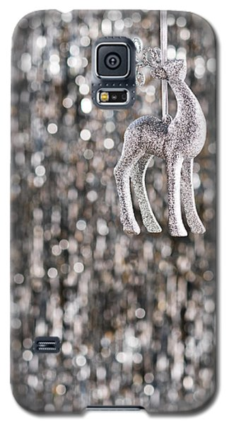 Galaxy S5 Case featuring the photograph Reindeer  by Ulrich Schade