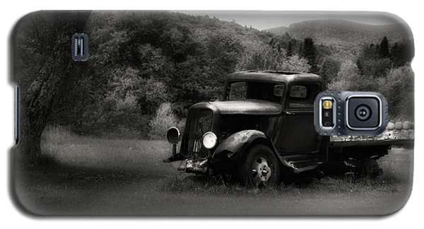 Galaxy S5 Case featuring the photograph Relic Truck by Bill Wakeley
