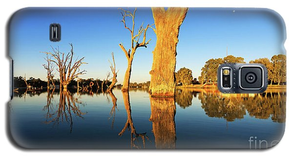 Galaxy S5 Case featuring the photograph Renamrk Murray River South Australia by Bill Robinson