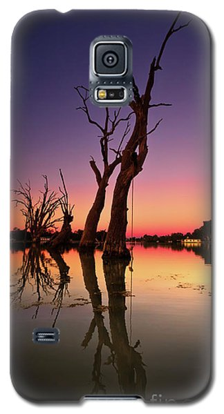 Galaxy S5 Case featuring the photograph Renmark South Australia Sunset by Bill Robinson