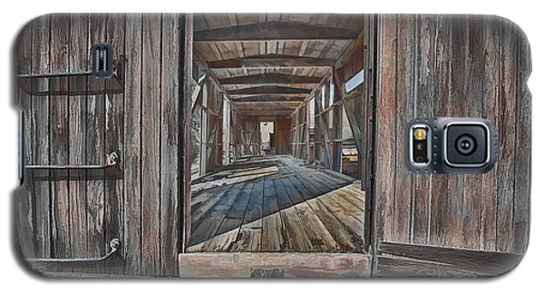 Galaxy S5 Case featuring the photograph Retired Train Car Jamestown by Steve Siri