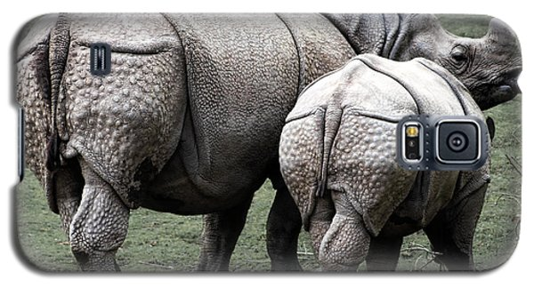 Rhinoceros Mother And Calf In Wild Galaxy S5 Case