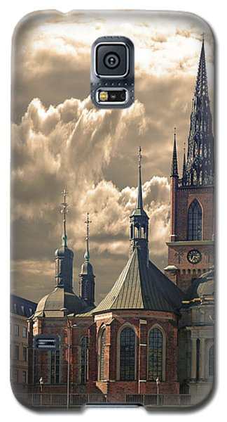 Galaxy S5 Case featuring the photograph Riddarholm Church - Stockholm by Jeff Burgess