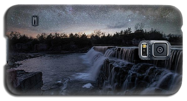 Galaxy S5 Case featuring the photograph Rise And Fall by Aaron J Groen