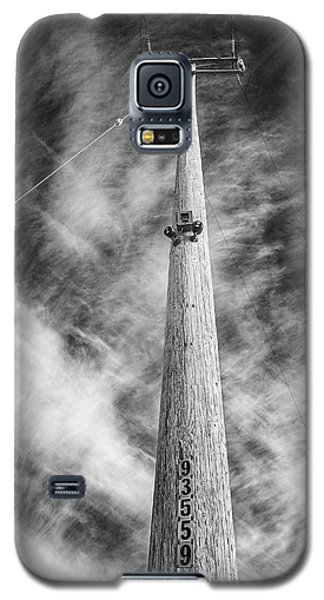 Galaxy S5 Case featuring the photograph Rising To The Heights by Greg Nyquist