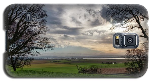 Galaxy S5 Case featuring the photograph River Forth View From Clackmannan Tower by Jeremy Lavender Photography