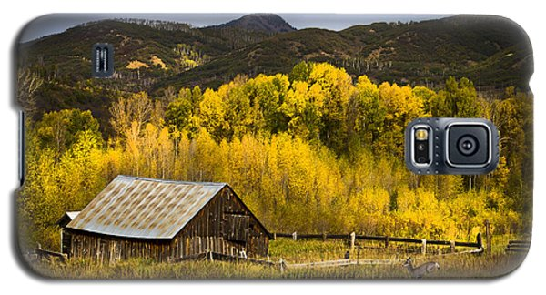 Galaxy S5 Case featuring the photograph Road To Steamboat Lake by John Hix