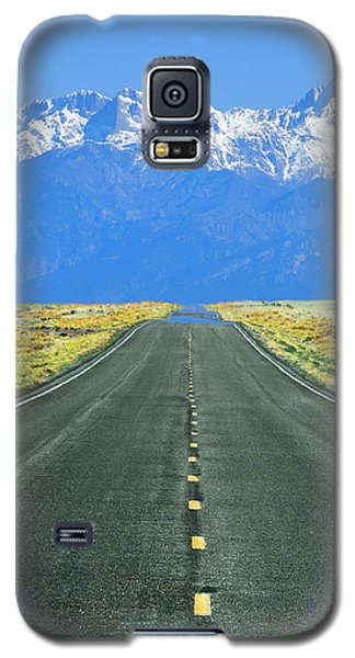 Road To The Sangre De Cristo Mountains Galaxy S5 Case by Aaron Spong