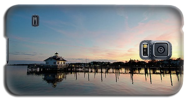 Roanoke Marshes Lighthouse At Dusk Galaxy S5 Case by David Sutton