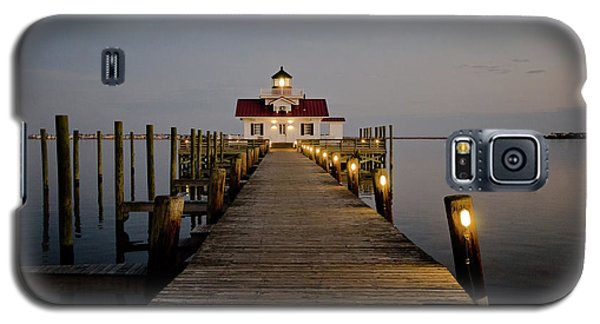 Galaxy S5 Case featuring the photograph Roanoke Marshes Lighthouse by David Sutton