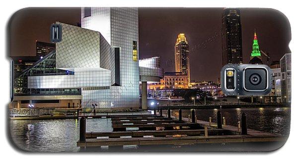 Rock Hall Of Fame And Cleveland Skyline Galaxy S5 Case by Peter Ciro