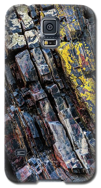 Galaxy S5 Case featuring the photograph Rock Pattern Sc02 by Werner Padarin