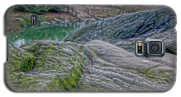 Galaxy S5 Case featuring the photograph Rocks At Central Park by Sandy Moulder