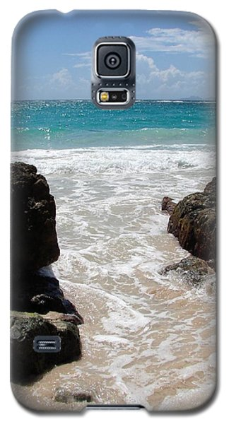 Galaxy S5 Case featuring the photograph Rocky Beach In The Caribbean by Margaret Bobb