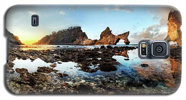 Rocky Beach Sunrise, Bali Galaxy S5 Case