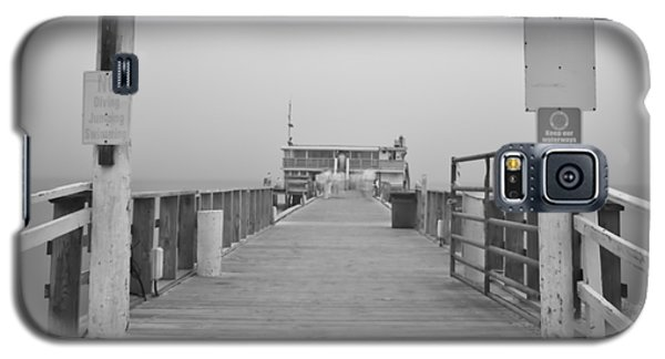 Rod And Reel Pier In Fog In Infrared 53 Galaxy S5 Case