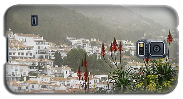 Rojo In The Pueblos Blancos Galaxy S5 Case by Suzanne Oesterling