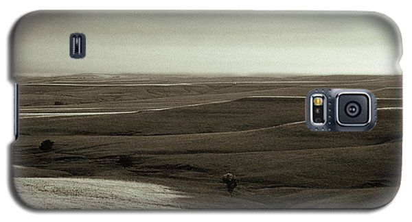 Galaxy S5 Case featuring the photograph Rolling Hills Toned by Thomas Bomstad