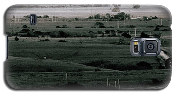 Galaxy S5 Case featuring the photograph Rolling Roads by Thomas Bomstad