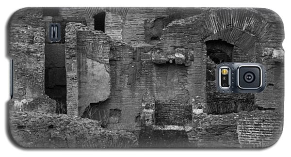 Galaxy S5 Case featuring the photograph Roman Colosseum Bw by Silvia Bruno