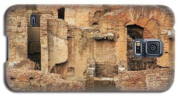 Galaxy S5 Case featuring the photograph Roman Colosseum by Silvia Bruno
