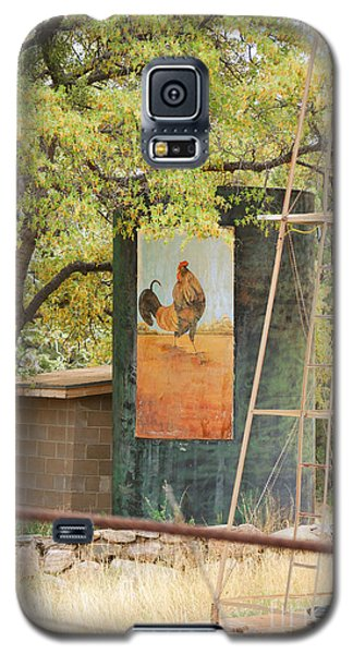 Galaxy S5 Case featuring the photograph Rooster Water Tank by Donna Greene