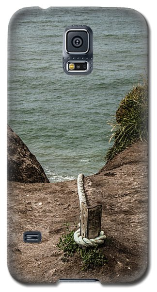 Galaxy S5 Case featuring the photograph Rope Ladder To The Sea by Odd Jeppesen