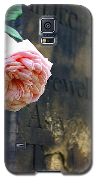 Rose At The Grave Galaxy S5 Case
