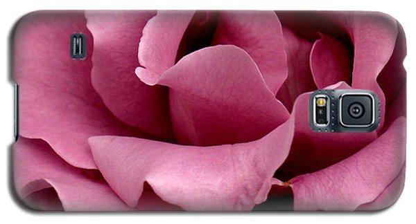 Rose Violet Waves Galaxy S5 Case by Barbara Middleton