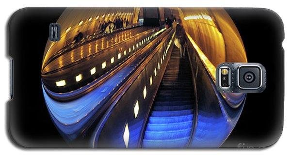 Rosslyn Metro Station Galaxy S5 Case by John S