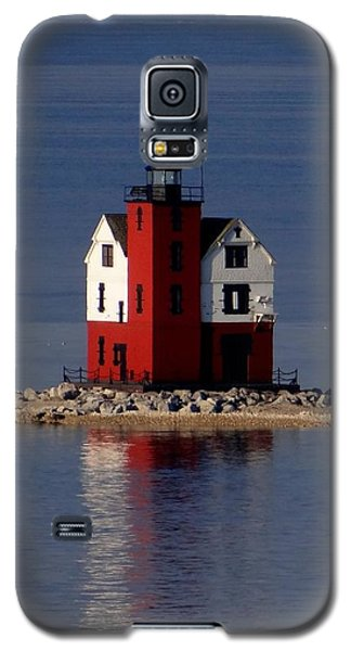 Round Island Lighthouse In The Morning Galaxy S5 Case