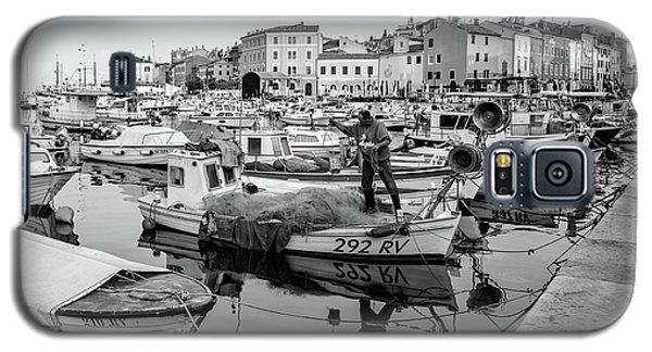 Rovinj Fisherman Working In Old Town Harbor - Rovinj, Istria, Croatia Galaxy S5 Case