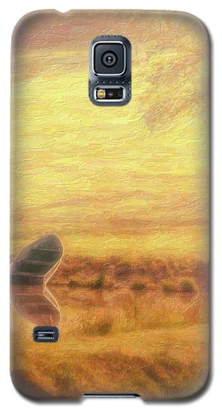 Galaxy S5 Case featuring the photograph Rowboat by Tom Mc Nemar