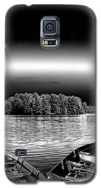 Galaxy S5 Case featuring the photograph Rowboats At The Dock 3 by David Patterson