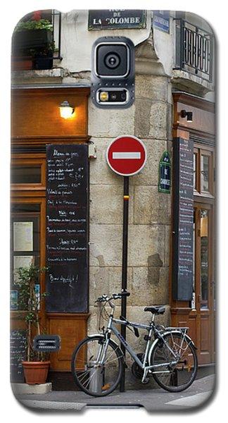 Galaxy S5 Case featuring the photograph Rue De La Colombe - Paris Photograph by Melanie Alexandra Price