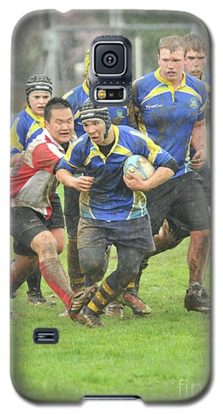 Rugby In The Mud Galaxy S5 Case by Rod Wiens