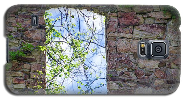 Galaxy S5 Case featuring the photograph Ruin Of A Window - Bridgetown Millhouse  Bucks County Pa by Bill Cannon